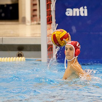 A water polo player competing in Roger Nekton Championship Pool