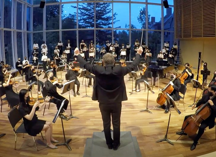 Exeter students perform in The Bowld