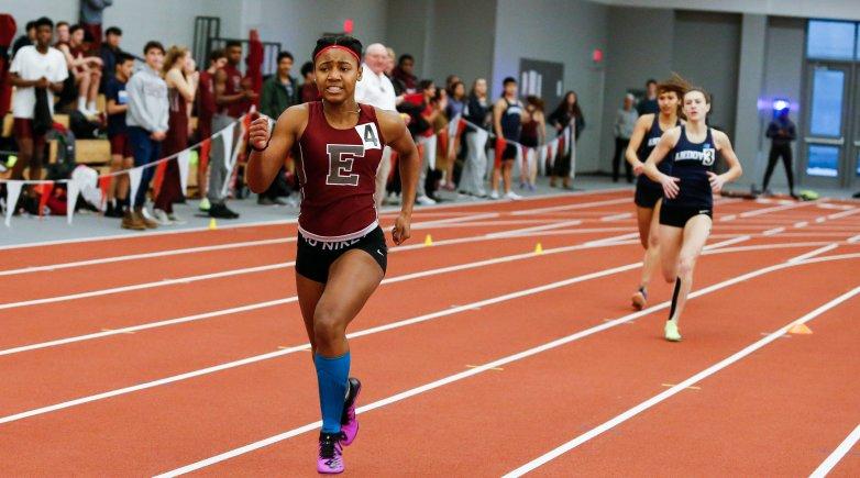 Kaylee Bennett running at Exeter.