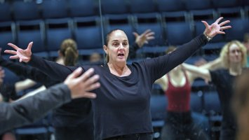 Jazz dance master Nan Giordano leads class in Exeter's Dance Studio
