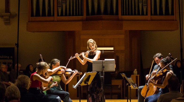 Julie Scolnik performing
